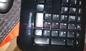wireless desktop 800 键盘一角特写